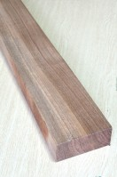 Walnut Neck I QS + cutting